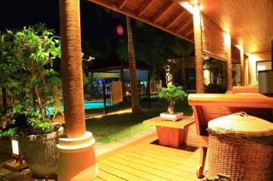 Bali @ Avalon ( Mandurah B&B) Our shady veranda overlooking the shared tropical gardens